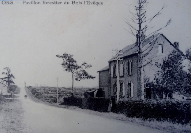 36-wilfred owen forest house in france 1919